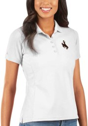 Antigua Wyoming Cowboys Womens White Legacy Pique Short Sleeve Polo Shirt