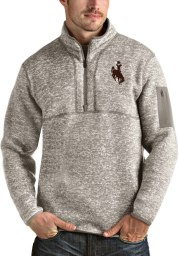 Antigua Wyoming Cowboys Mens Oatmeal Fortune Long Sleeve 1/4 Zip Fashion Pullover