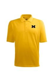 Antigua Michigan Wolverines Mens Gold Pique Xtra-Lite Short Sleeve Polo