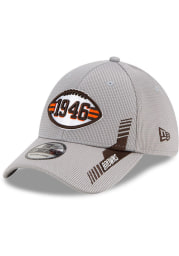 New Era Cleveland Browns Mens Grey 2021 Sideline Home 39THIRTY Flex Hat