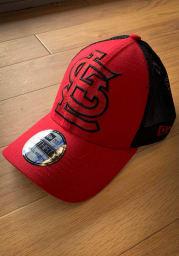 New Era St Louis Cardinals Mens Red Mega Rip Mesh 39THIRTY Flex Hat